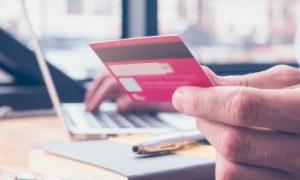 ما هي أنواع البطاقات المصرفية ؟
