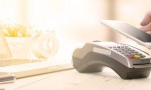 أخبار الأسبوع: مدى توفر خدمتي التسوق الإلكترونية والدفع عن طريق الهاتف