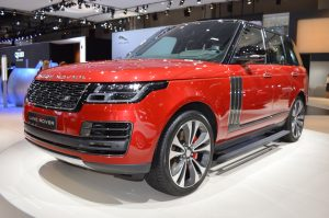 2018-range-rover-facelift-svautobiography-dynamic-front-three-quarters-at-2017-dubai-motor-show
