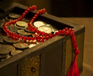 UAE coins and rosary