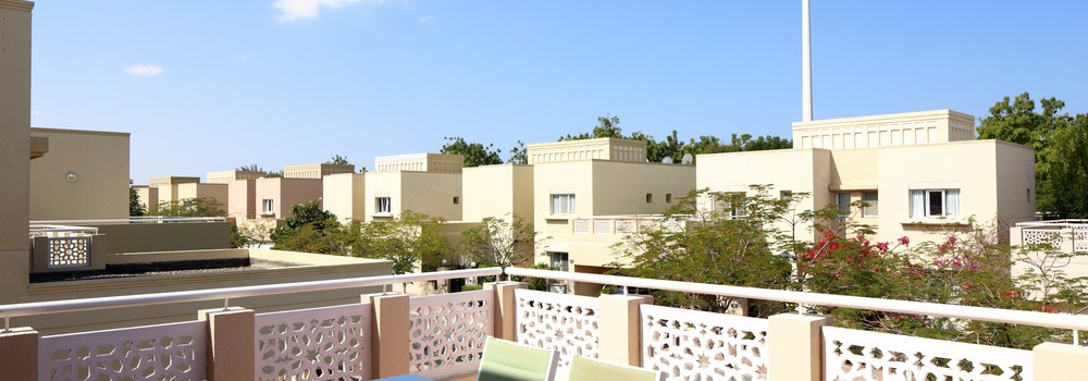 modern clean and beautiful view to dubai yard