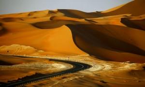 Road to Liwa Oasis