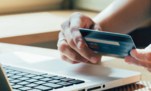 Credit-card-hold-Souqalmal