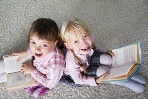 أطفال وكتب